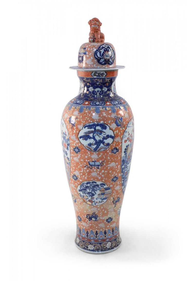 Chinese Monumental Imari-Style Lidded Light Orange Porcelain Urn In Good Condition For Sale In New York, NY