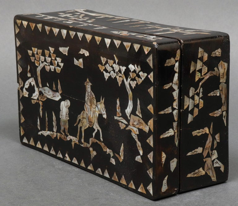 19th Century Chinese Mother of Pearl Inlaid Lacquered Box For Sale