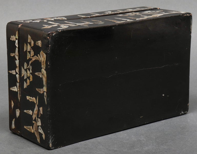 Mother-of-Pearl Chinese Mother of Pearl Inlaid Lacquered Box For Sale