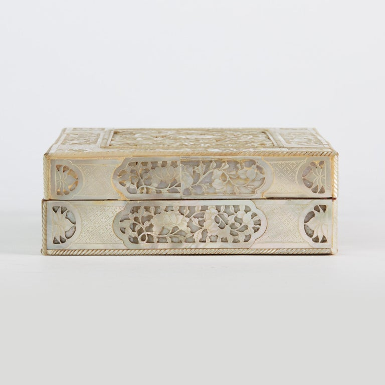 Chinese Mother of Pearl Mounted Box with Four Boxes and Counters, 18th Century For Sale 13