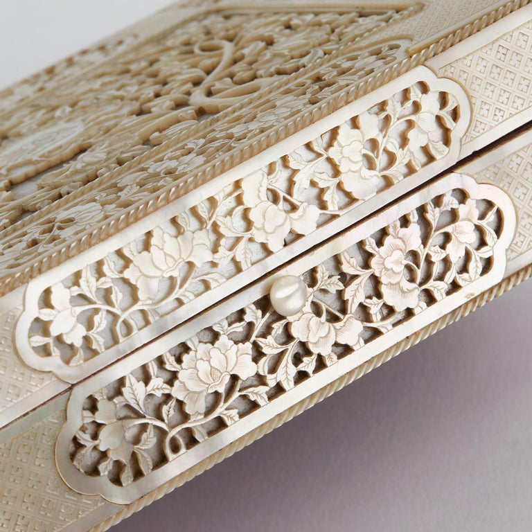 Chinese Mother of Pearl Mounted Box with Four Boxes and Counters, 18th Century For Sale 2