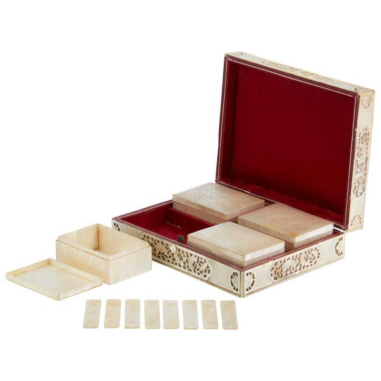 Chinese Mother of Pearl Mounted Box with Four Boxes and Counters, 18th Century For Sale