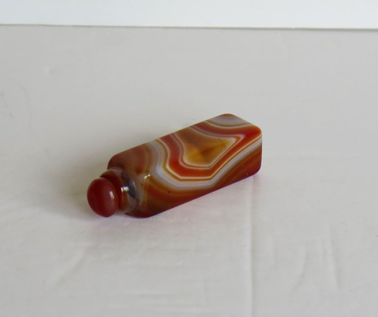 Chinese Natural Agate Stone Snuff Bottle Beautiful Striking Colors, circa 1930 For Sale 5