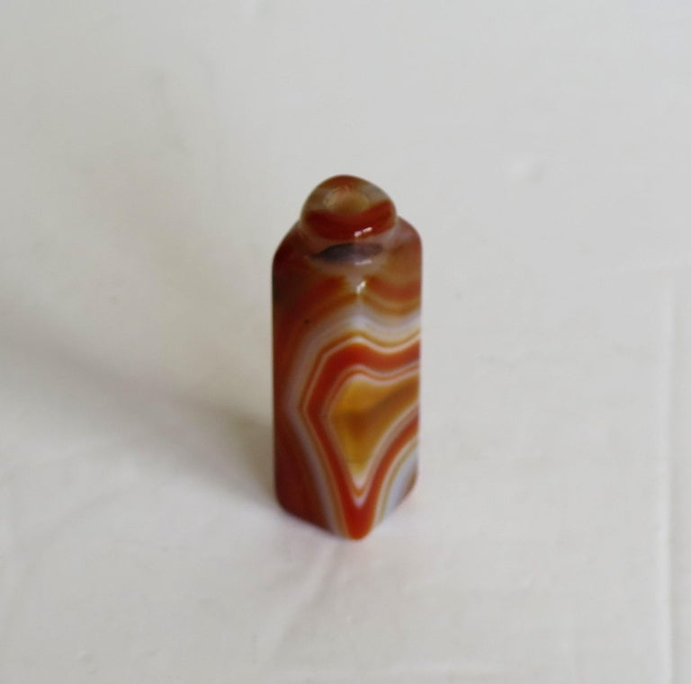 Chinese Natural Agate Stone Snuff Bottle Beautiful Striking Colors, circa 1930 For Sale 6