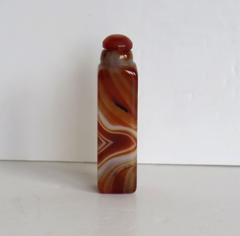 Chinese Natural Agate Stone Snuff Bottle Beautiful Striking Colors, circa 1930 For Sale 1