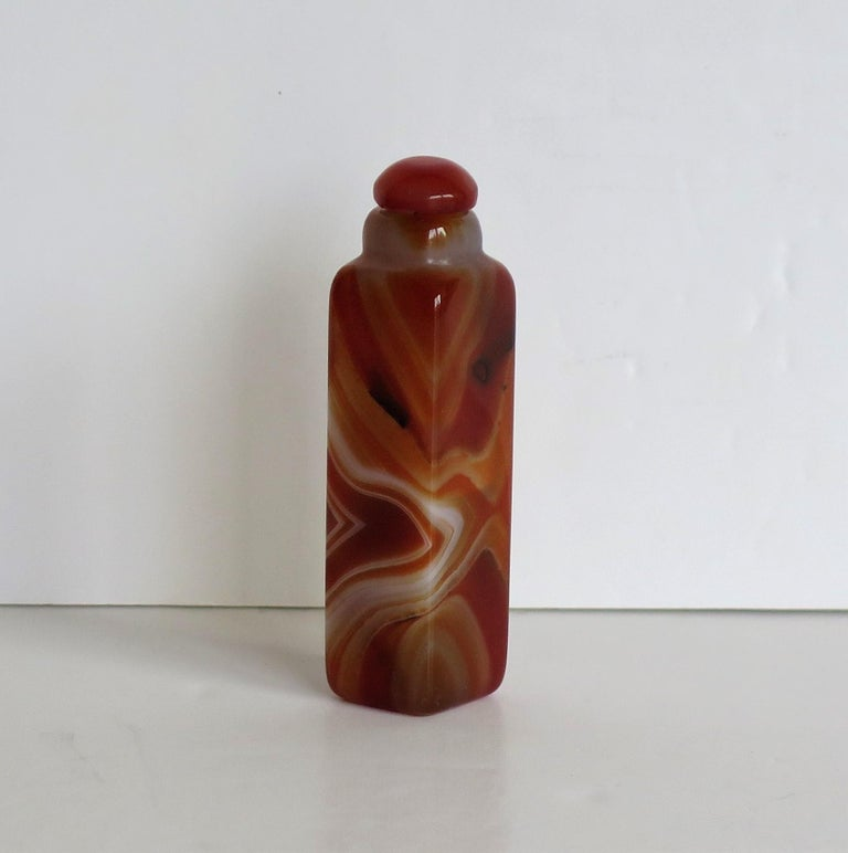 Chinese Natural Agate Stone Snuff Bottle Beautiful Striking Colors, circa 1930 For Sale 2