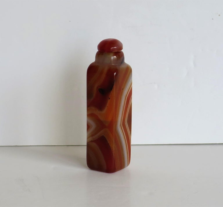 Chinese Natural Agate Stone Snuff Bottle Beautiful Striking Colors, circa 1930 For Sale 3