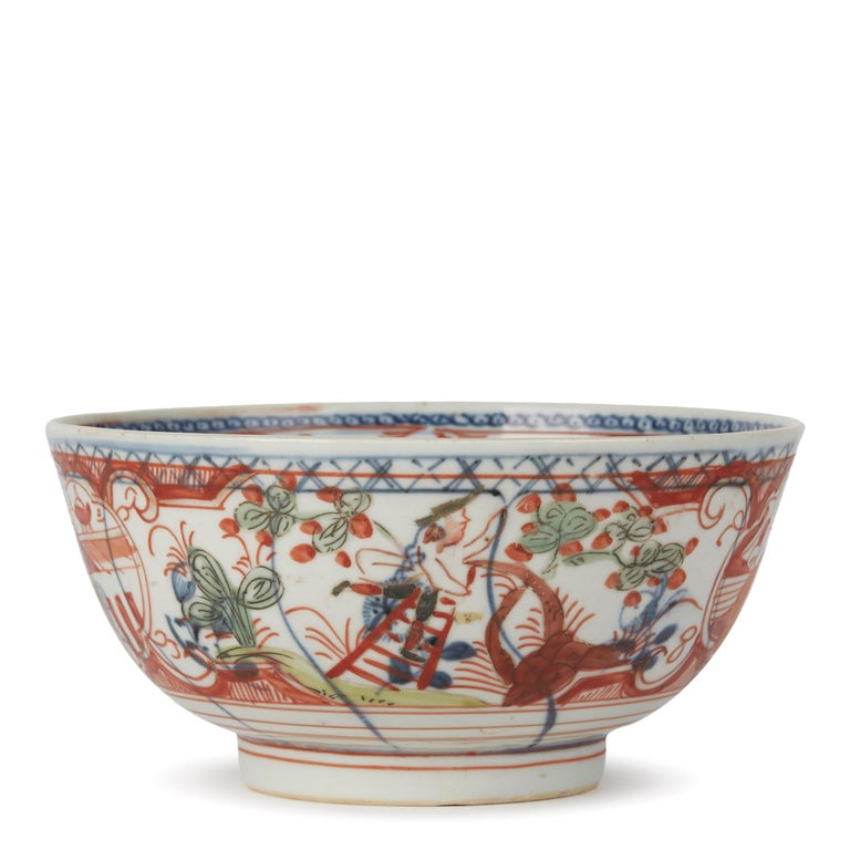 Chinese Overpainted Porcelain Bowl with Figures, 1720-1740 For Sale 4