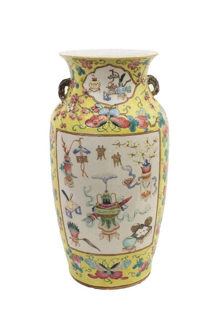 Chinese Polychrome Vase, Early 20th Century In Good Condition For Sale In Roma, IT