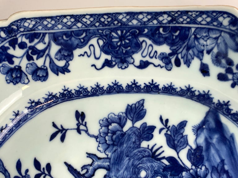 Chinese Porcelain Blue and White Platter Hand-Painted, 18th Century, Circa 1770 For Sale 2