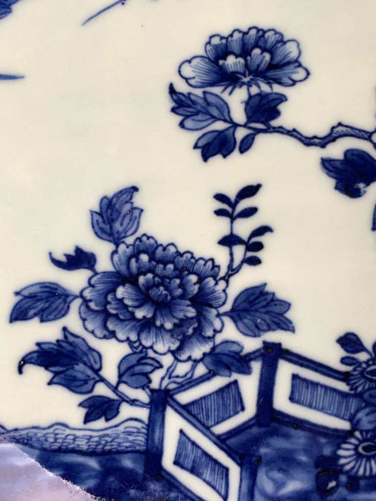 Chinese Porcelain Blue and White Platter Hand-Painted, 18th Century, Circa 1770 For Sale 3