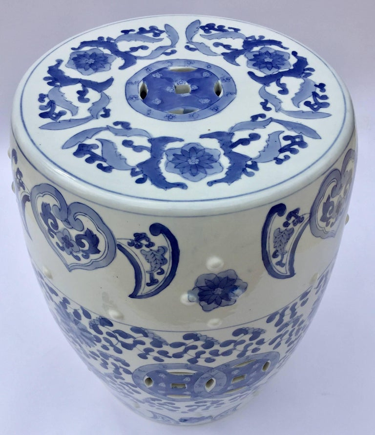 Chinese Porcelain Garden Seat in Blue and White Floral Motif For Sale 4