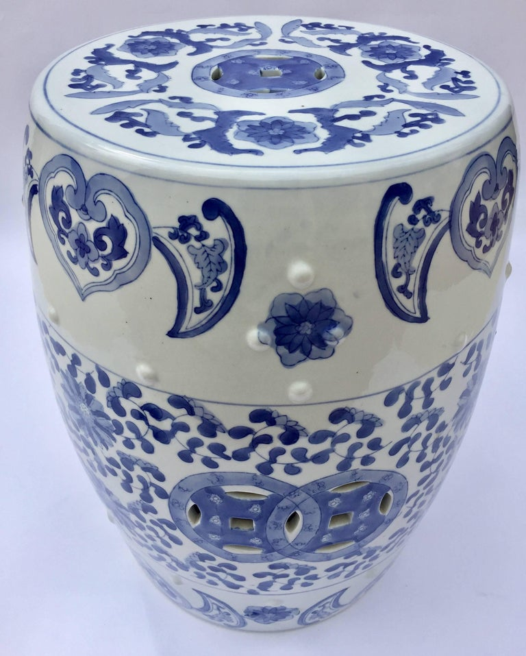 Chinese Porcelain Garden Seat in Blue and White Floral Motif For Sale 5