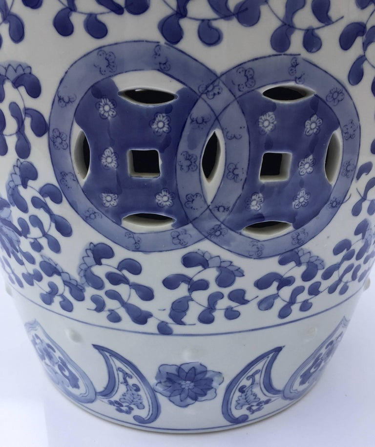 Chinese Porcelain Garden Seat in Blue and White Floral Motif For Sale 6