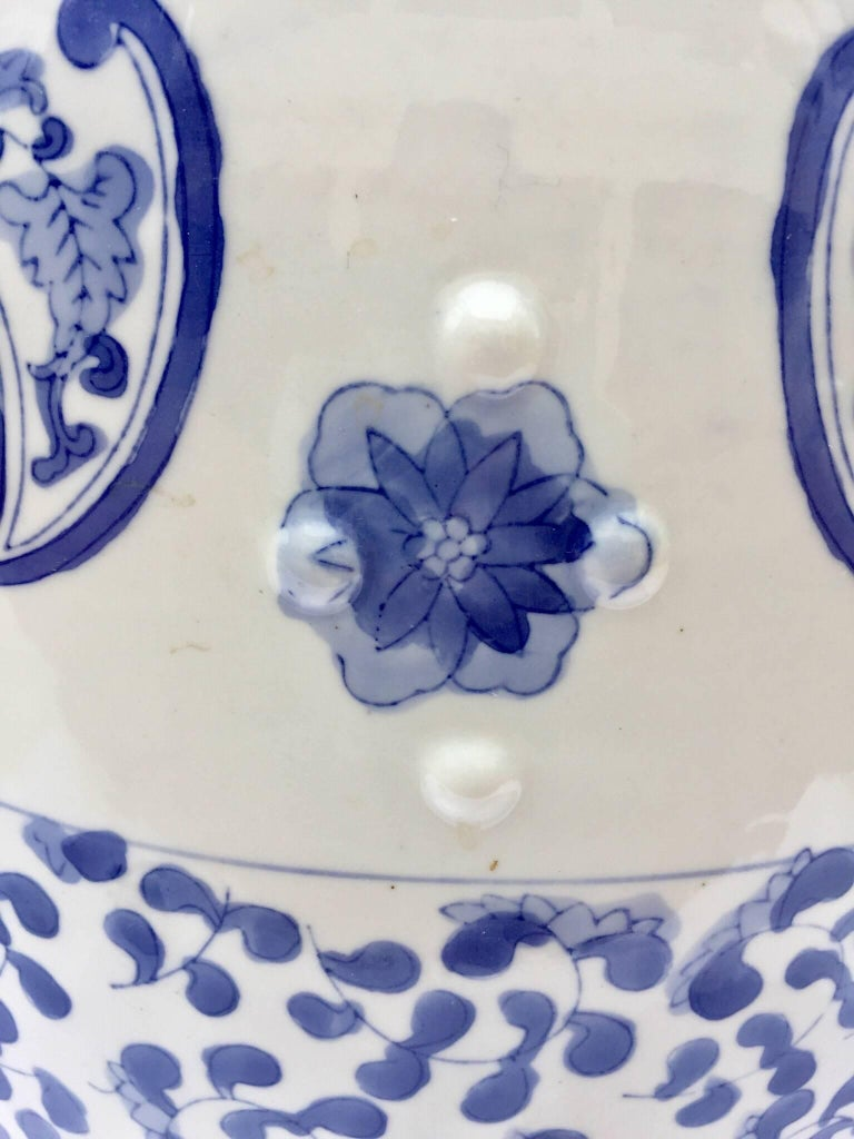 Chinoiserie Chinese Porcelain Garden Seat in Blue and White Floral Motif For Sale