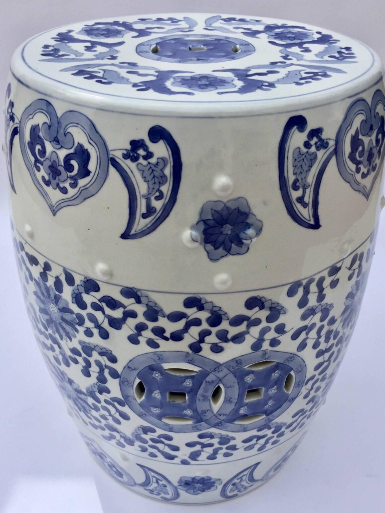 Chinese Porcelain Garden Seat in Blue and White Floral Motif For Sale 2