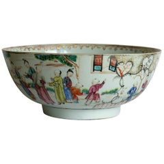 Chinese Porcelain Large Bowl Finely Hand Painted, Qing Qianlong, circa 1770