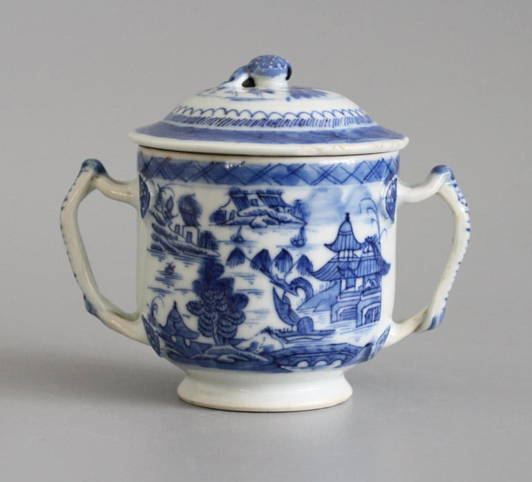 Chinese Qianlong Style Twin Handled Blue and White Lidded Cup For Sale 1
