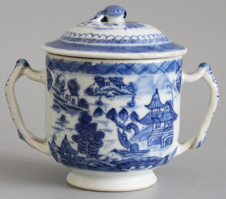 Chinese Qianlong Style Twin Handled Blue and White Lidded Cup For Sale 2