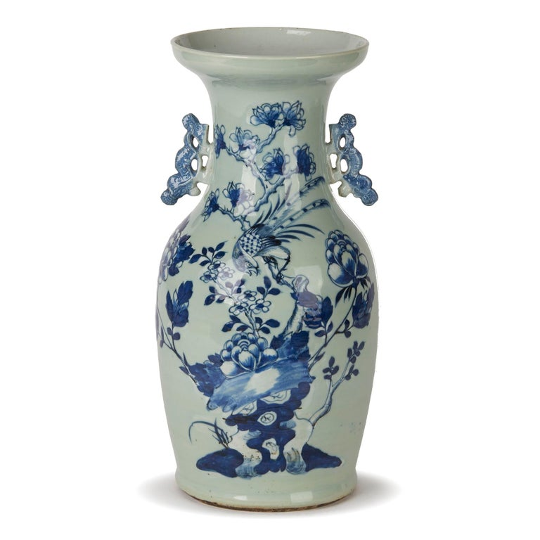 Chinese Qing Blue and White Celadon Bird Decorated Vase, 20th Century For Sale 1