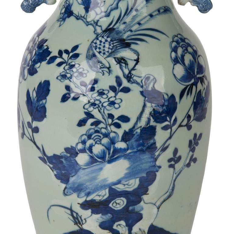 Chinese Qing Blue and White Celadon Bird Decorated Vase, 20th Century For Sale 2