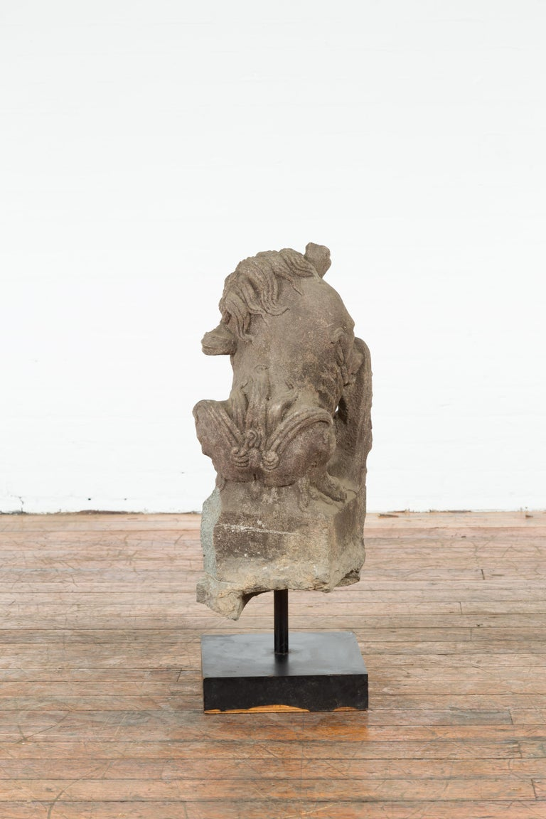 Chinese Qing Dynasty 19th Century Hand-Carved Foo Dog Sculpture Mounted on Base For Sale 4
