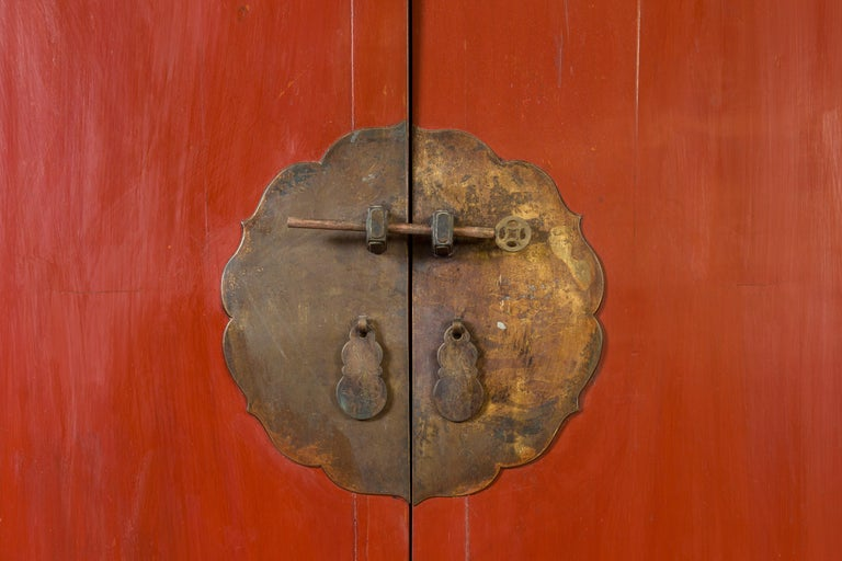 Chinese Qing Dynasty 19th Century Red Lacquered Armoire with Bronze Medallion For Sale 3