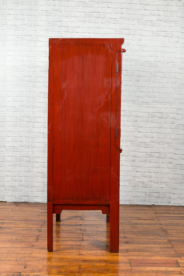 Chinese Qing Dynasty 19th Century Red Lacquered Wedding Cabinet with Medallion For Sale 9