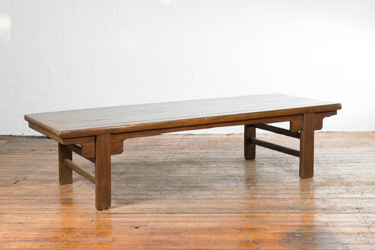 Chinese Qing Dynasty 19th Century Wide Coffee Table with Carved Spandrels For Sale 2