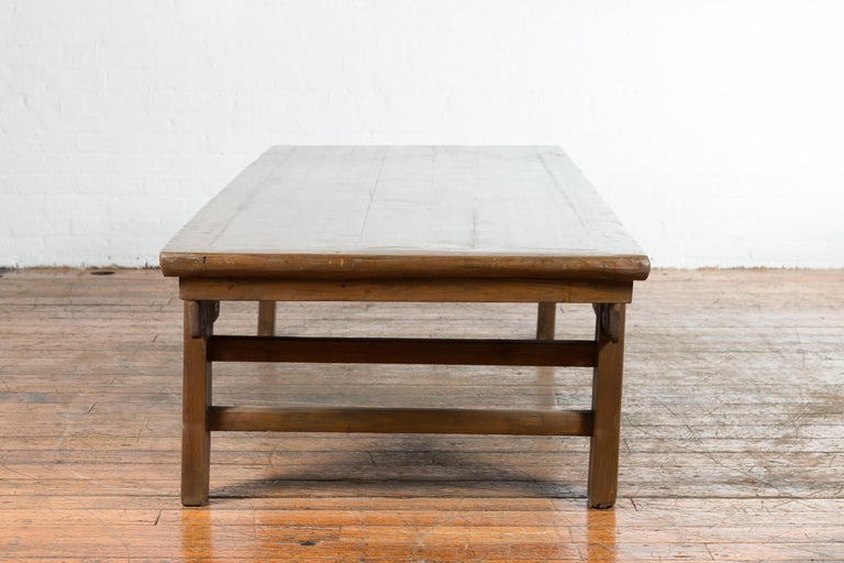 Chinese Qing Dynasty 19th Century Wide Coffee Table with Carved Spandrels For Sale 3