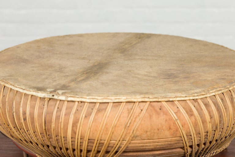 Chinese Qing Dynasty Period 19th Century Leather Drum with Its Wooden Mallet For Sale 7