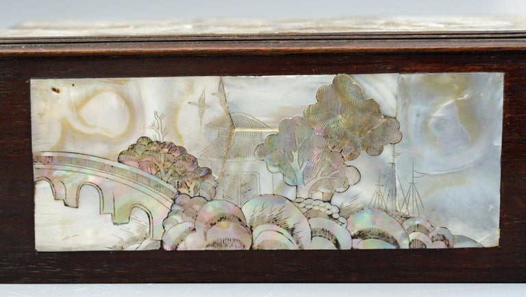 Chinese Qing Mother of Pearl Inset Wooden Glove Box  For Sale 1