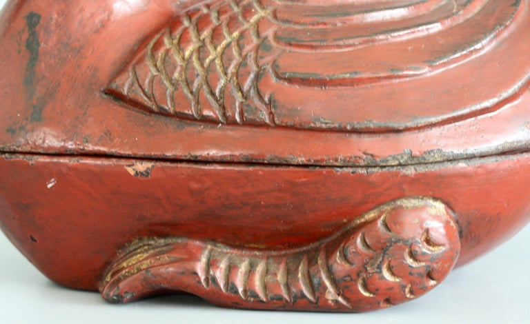 Chinese Qing Red Lacquered Duck Shaped Wooden Box In Good Condition In Bishop's Stortford, Hertfordshire