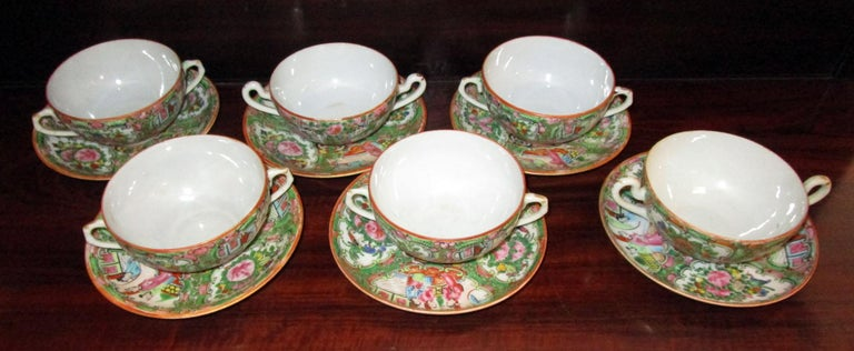 Chinese Qing Rose Medallion Porcelain Lidded Soup Rice Bowls with Saucers Set For Sale 6