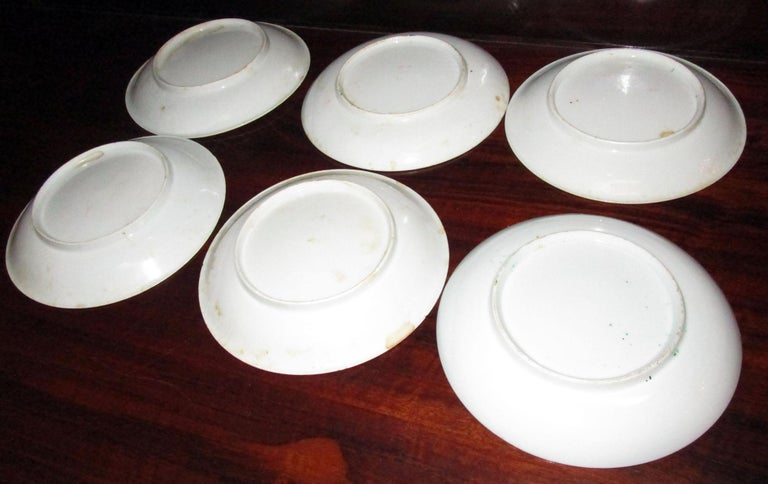 Chinese Qing Rose Medallion Porcelain Lidded Soup Rice Bowls with Saucers Set For Sale 2