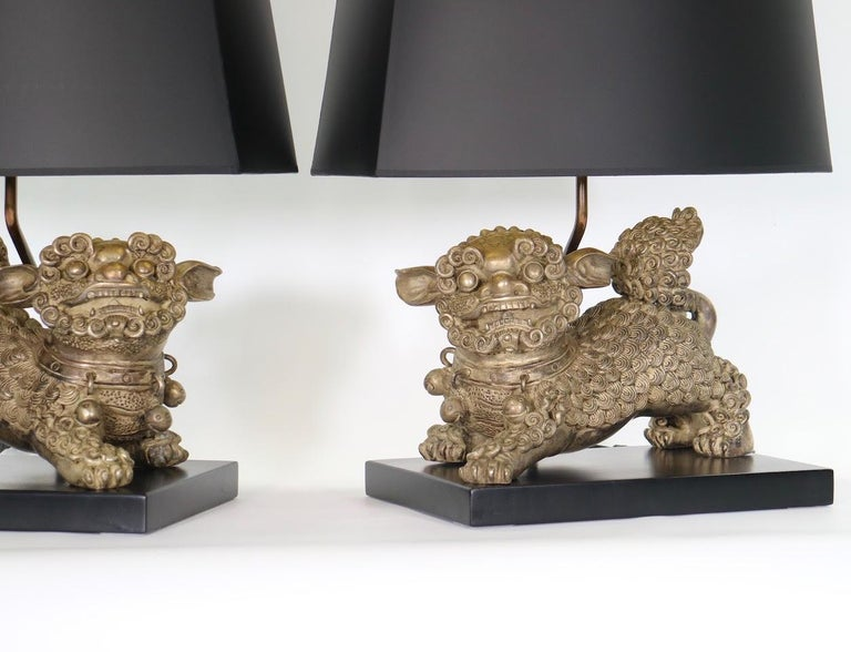 Silvered Chinese Qing Silver Plated Bronze Foo Dog Table Lamps For Sale