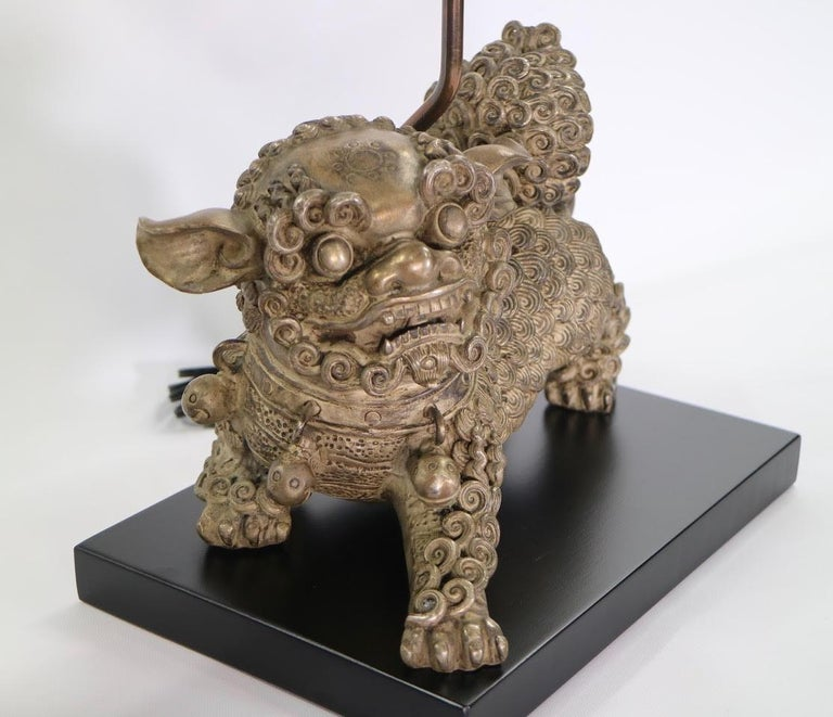 Chinese Qing Silver Plated Bronze Foo Dog Table Lamps For Sale 1