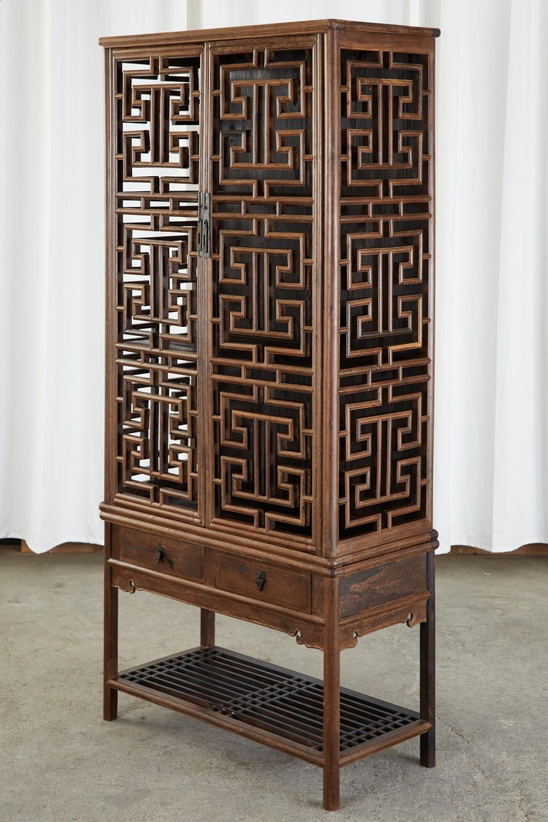 Chinese Qing Style Open Fretwork Kitchen Cabinet In Good Condition For Sale In Rio Vista, CA