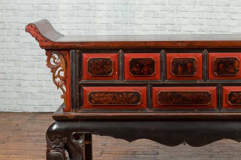 Chinese Red and Black Lacquered 19th Century Altar Coffer Table with Chinoiserie In Good Condition For Sale In Yonkers, NY