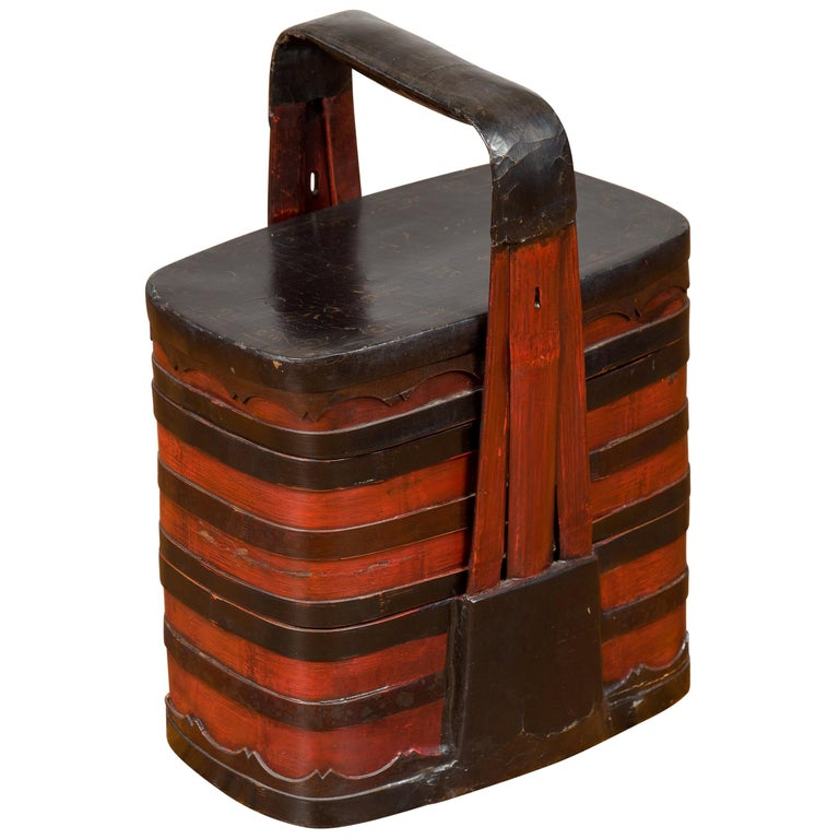Chinese Red and Black Lacquered Tiered Lunch Box with Handle and Calligraphy For Sale