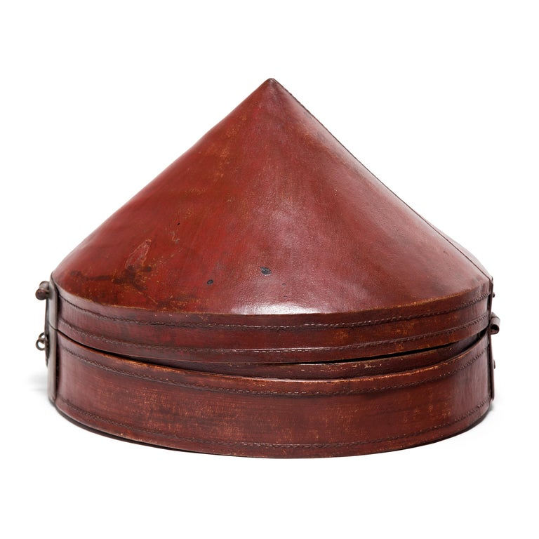 No self-respecting man in Qing-dynasty China would leave the house without some kind of hat. In fact, headgear was so central to social status that even the containers used to store one's hat were beautifully constructed.