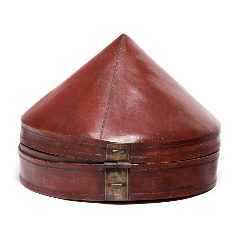 Qing Chinese Red Lacquer Summer Hat Box, circa 1850 For Sale