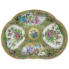 Chinese Famille Verte Rose Medallion Crescent-Shaped Bone Dish, Canton, c. 1890
