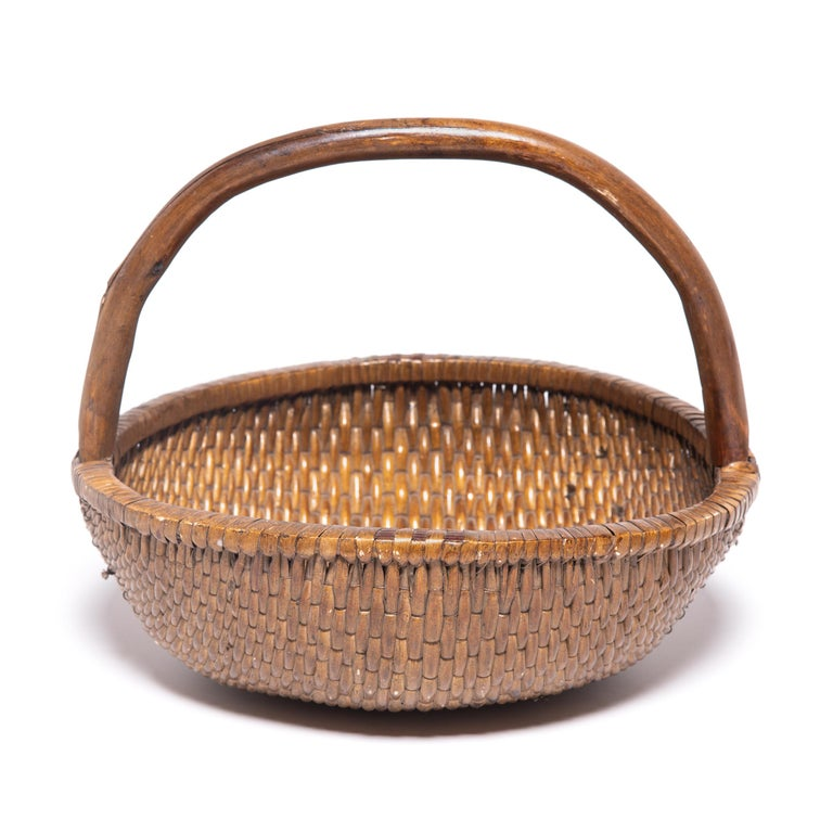 Rustic Chinese Round Woven Basket with Handle For Sale