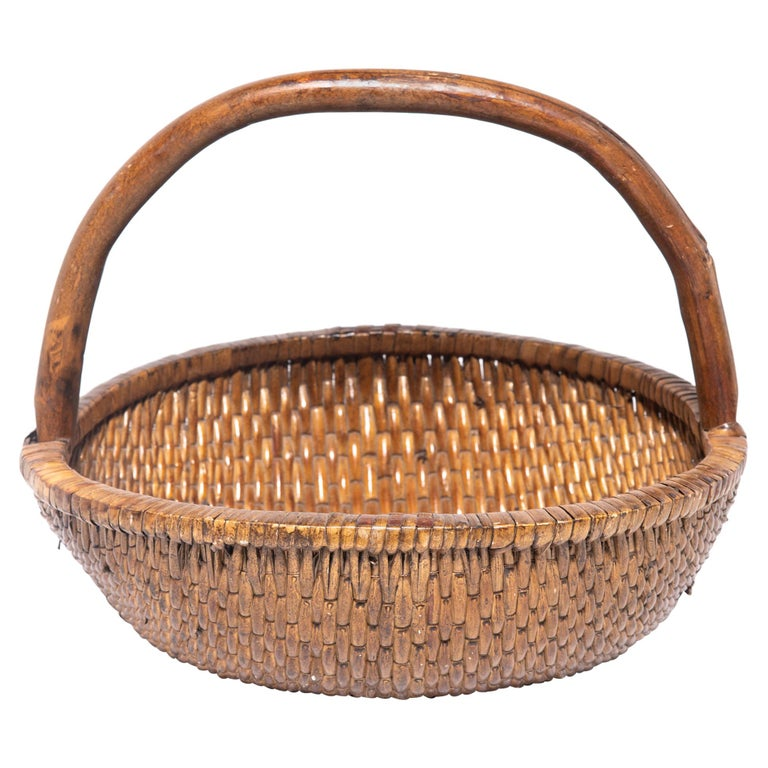 Chinese Round Woven Basket with Handle For Sale