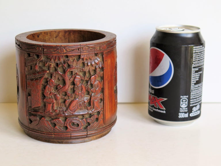 Chinese Scholars Bamboo Brush Pot or Bitong Finely Carved Signed, 19thC. Qing For Sale 14