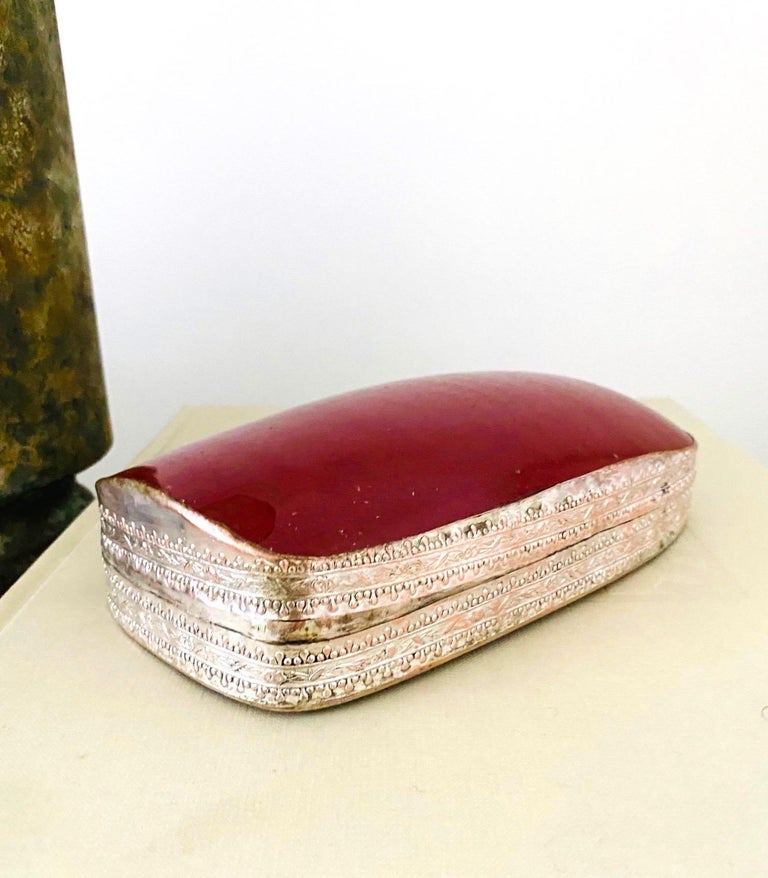 Chinese Silver Trinket Box with Antique Oxblood Porcelain Inset, c. 1945 For Sale 3