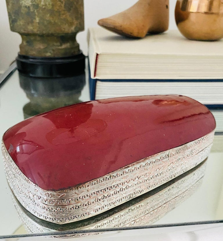 Repoussé Chinese Silver Trinket Box with Antique Oxblood Porcelain Inset, c. 1945 For Sale