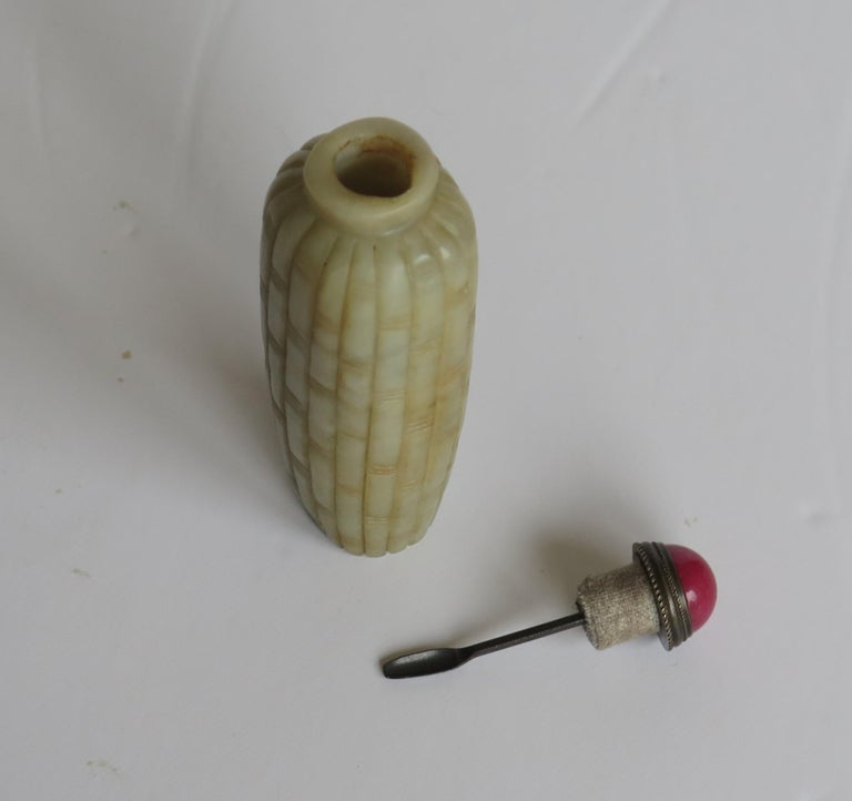 Chinese Snuff Bottle Hand Carved Natural Serpentine Stone Spoon Top, circa 1920 For Sale 5