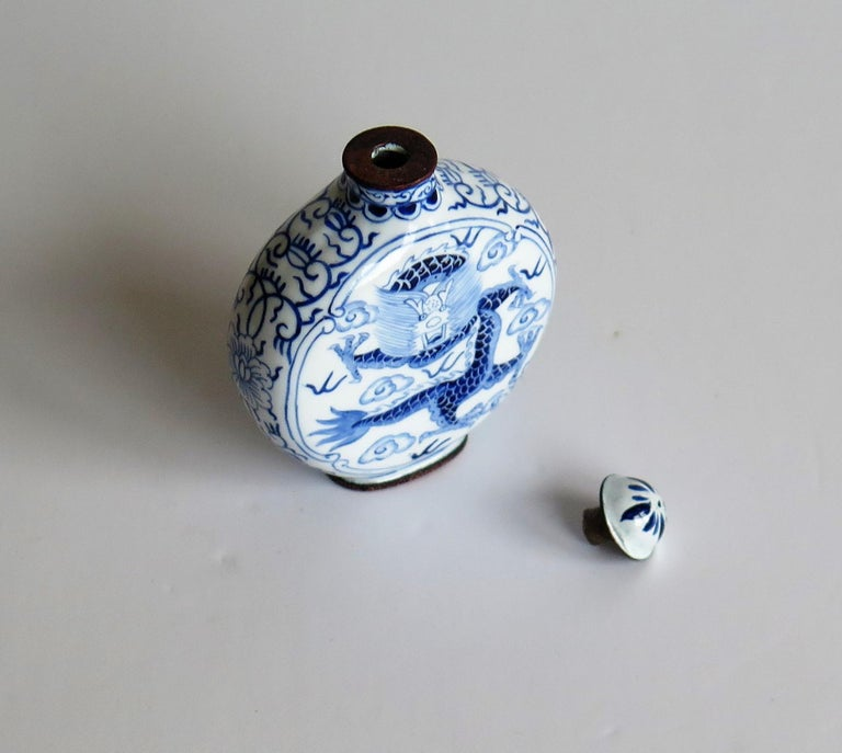 Chinese Snuff Bottle Hand Enamelled Blue and White Dragon on Copper, circa 1940s For Sale 10